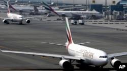 "Suasana di bandara internasional Dubai di Dubai, Uni Emirat Arab (Foto: dok). Sebuah pesawat ""Air Arabia"" dari Kuwait diperiksa oleh pihak berwenang setelah mendarat di pangkalan udara Al-Minhad, yang terletak di pinggir kota Dubai."