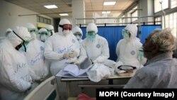 د کرونا ویروس په لومړي ځل د ۲۰۱۹ د ډسمبر په میاشت کې د چین د هوبي ایالت د ووهان په ښار کې خپور شو.