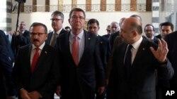 Ештон Картер у Туреччині, 21-го жовтня.