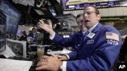 纽约证券交易所交易厅周二的情景