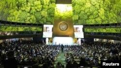 اقوام متحدہ کی رپورٹ میں پیش گوئی کی گئی ہے کہ ماحولیاتی تبدیلیوں سے بین الاقوامی معیشت بھی متاثر ہوگی — فائل فوٹو