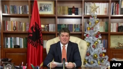 Presidenti Bamir Topi uron shqiptarët
