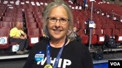 Leslie Pool, penggerak delegasi Partai Demokrat dari negara bagian Texas (VOA/Made Yoni).