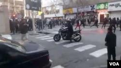 یک ماه پیش نیروی انتظامی به دراویش معترض حمله کرد