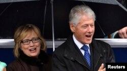 Cựu Tổng thống Bill Clinton và phu nhân Hillary Clinton dự lễ tuyên thệ nhậm chức của ông Terry McAuliffe Thống đốc tiểu bang Virginia, 11/1/14