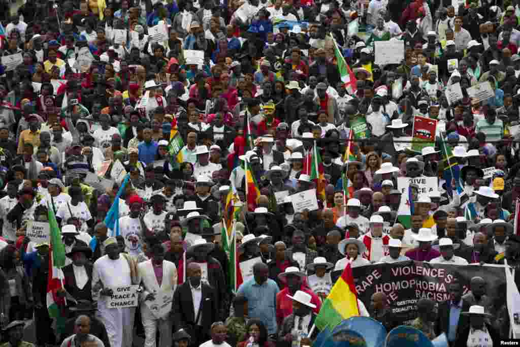 Hundreds of people participate in a peace march after anti-immigrant violence flared in Durban, April 16, 2015.