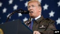Predsednik SAD Donald Tramp tokom govora američkom vojnom osoblju u američkoj vojnoj bazi Jokota u Fusi, u Tokiju, 5. novembra 2017.