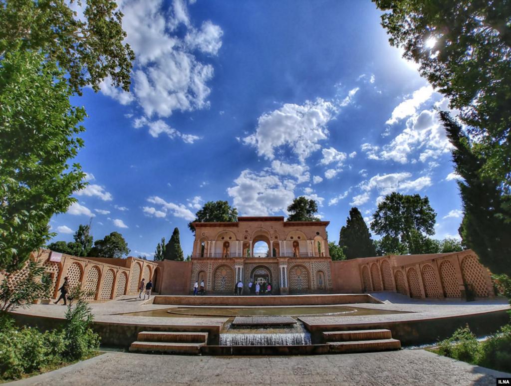 باغ شاهزاده ماهان در در دامنه کوههای تیگران در استان کرمان عکس: کیانوش محبیان
