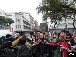 陈水扁儿子陈致中接受媒体采访(美国之音许波拍摄)