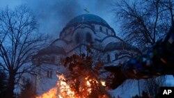 Бадник во Црквата Свети Сава во Белград.