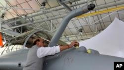 فرانس کی جانب سے بھارت کو رافیل طیاروں کی فراہمی کا آغاز کر دیا گیا ہے۔