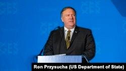 美国国务卿蓬佩奥2019年3月18日在堪萨斯发表讲话。