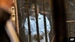 埃及法庭星期六恢復對被廢黜的埃及總統穆爾西的審判。