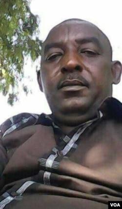 Une photographie du lieutenant Abdoulkader Amadou Touré, pris par lui-même.