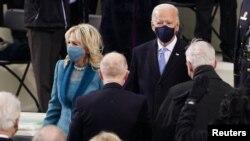 Избранный президент США джо Байден с супругой Джилл перед инаугурацией. Вашингтон. 20 января 2021 г.