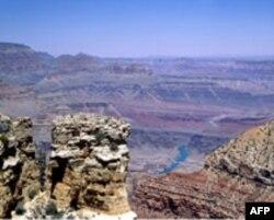Grand kanjon je jedna od najpopularnijih turističkih destinacija u SAD