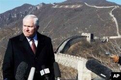 国防部长盖茨2011年1月在北京长城上接受采访