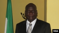 The mayor of the capital Freetown, Franklin Bode Gibson (VOA/ K. Lewis)