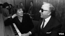 Shearing se convirtió en parte de la escena musical estadounidense al mudarse a Nueva York en 1947.