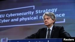 歐盟內部市場與服務執委布萊頓在布魯塞爾出席有關歐盟網絡安全戰略的記者會。(2020年12月16日)