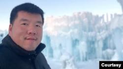 Mongkol Teng, A resident of Minneapolis, MN. มงคล เตง ชาวมินนีแอโปลิส เชื้อสายกัมพูชา รัฐมินนิโซตา