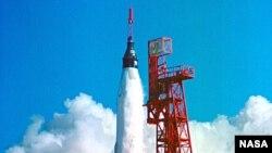 The Friendship 7 carries Astronaut John Clenn into orbit.