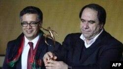 افغانستان د فوټ بال د کال ٢٠١٣ د باتور ټیم جایزه واخیسته