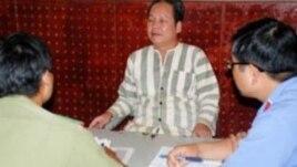 Ông Đinh Đăng Định, trước đây là giáo viên trường trung học phổ thông Lê Quý Đôn, huyện Tuy Đức, bị khởi tố với tội danh 'tuyên truyền chống phá Nhà nước'