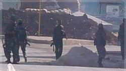 سربازان سوری در نزدیکی حمص. ۴ نوامبر ۲۰۱۱