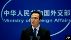 정례 브리핑 중인 중국 훙레이 중국 외교부 대변인. (자료사진)