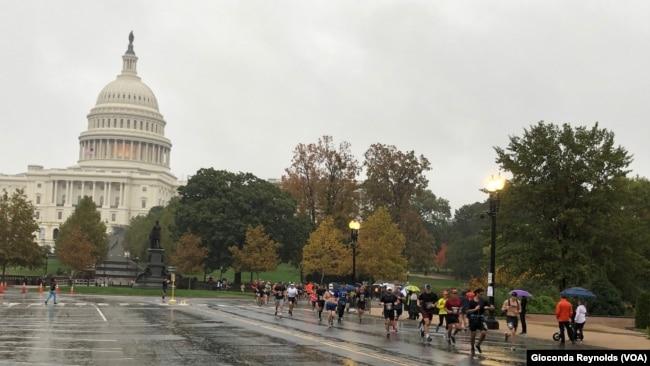 Maratón de los Marines pasó por el Capitolio en Washington DC