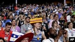 参加民主党全国代表大会第一天会议的威斯康辛州的代表。