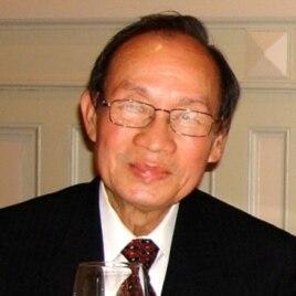 Ông Lê Văn