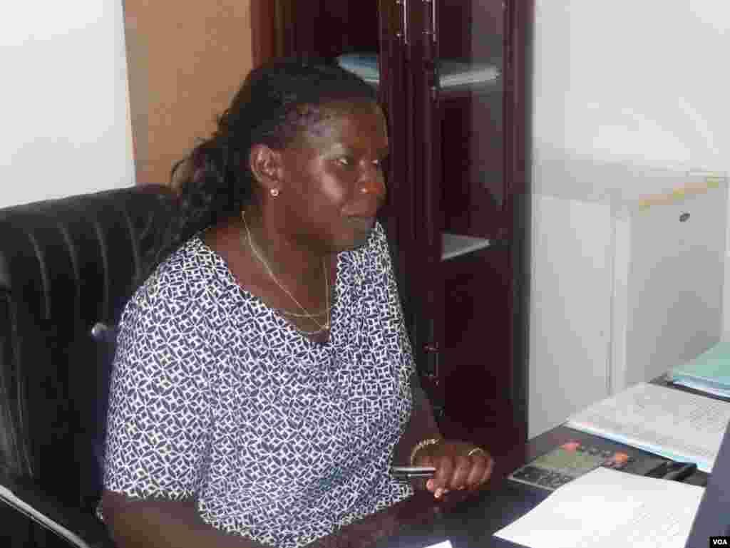 Paula de Melo Directora da Televisão da Guiné-Bissau, fala das dificuldades em cobrir a campanha eleitoral. Eleições 2014