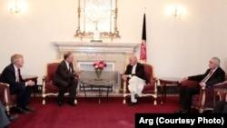 دیدار سناتوران امریکایی با رئیس جمهور افغانستان