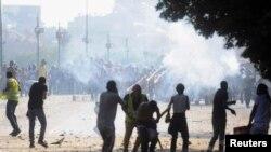 2013年7月22日埃及被推翻总统穆尔西的支持者与支持穆尔西的穆斯林兄弟会,和反对穆尔西的群众之间在开罗又爆发冲突。