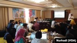 LKPP mendorong partisipasi masyarakat lebih luas terkait pengawasan pengadaan barang dan jasa. (Foto: VOA/Nurhadi)