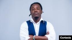 Gangsta, rapper, escritor e activista