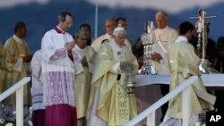 Ðức Giáo Hoàng chủ trì buổi cầu nguyện ở Santiago với sự tham gia của hàng trăm nghìn tín đồ