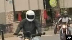 绿色摩托车