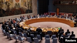 سامنتا پاور نماینده آمریکا در سازمان ملل در این رای گیری رای ممتنع داد.