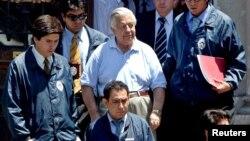Manuel Contreras (centro), exjefe de un servicio de inteligencia durante la dictadura del general Augusto Pinochet, será procesado en Italia.