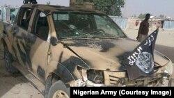 Un véhicule abandonné appartenant à Boko Haram à Dikwa, dans l'Etat de Borno, au Nigeria, le 24 février 2016.
