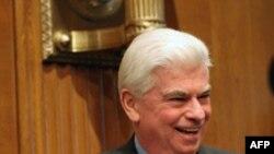 美国参议院银行委员会主席多德