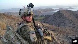 El sargento Carter ha dado entrevistas de prensa, donde habló del dolor de haber perdido a sus camaradas de armas.