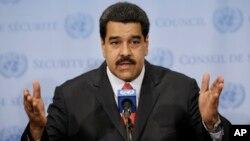 El presidente Nicolás Maduro denunció el ataque contra tres militares y un vivil en la frontera con Colombia.