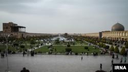 نمایی از میدان نقش جهان اصفهان در تعطیلات نوروزی ۱۳۹۵