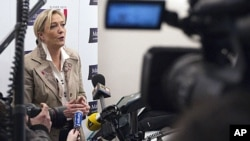 法国极右翼国民阵线领导人勒庞3月8日在其竞选总部
