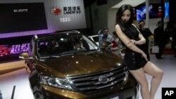 Trung Quốc cho ra mắt chiếc xe Landwind trông giống như chiếc Land Rover Evoque với giá chỉ bằng 1/3 tại cuộc triển lãm ôtô Thượng Hải.