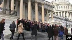 ٹوسان فائرنگ کیس کے بعد امریکی ارکان پارلیمنٹ کی سیکیورٹی بڑھانے پر غور